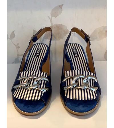 Sandalia Piel Azul Cadena