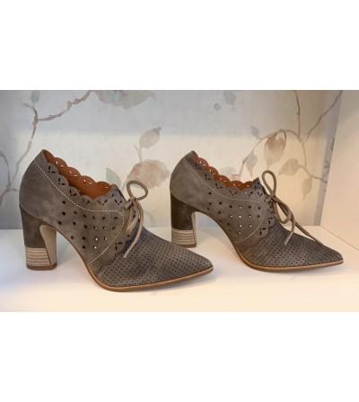 Zapatos Camel Piel Perforada